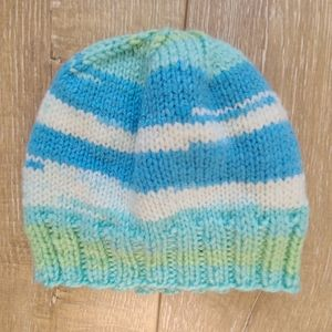FREE Blue and Green Toddler Hat
